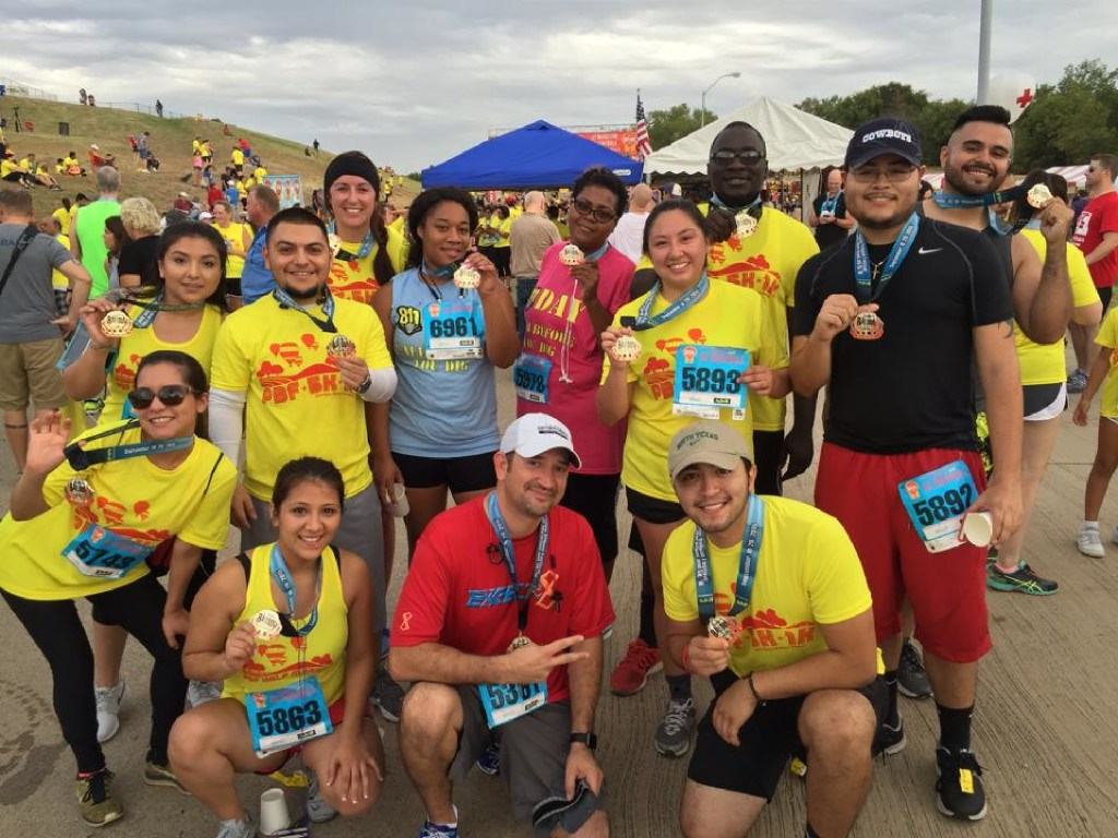 Texas811 workers at the 2015 Plano balloon festival 5k run. (Texas Excavation Safety System)