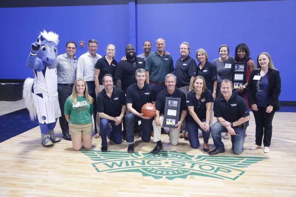 Wingstop Restaurants Inc. worked with the Dallas Mavericks to build a basketball court for the Youth World Dallas Learning Center. (Wingstop Restaurants)
